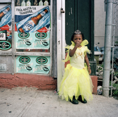 halloween in harlem, amy stein photography (took me a while to get over feeling sorry for all the kiddies trick or treating at bodegas when i first moved here.)  click it to see more