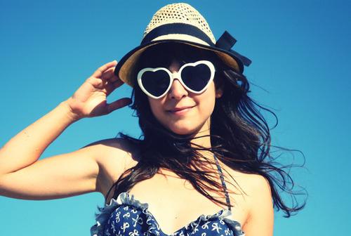"""Como dizia Voltaire, """"Resolvi ser feliz porque é melhor para a saúde."""" Caio Fernando Abreu"""