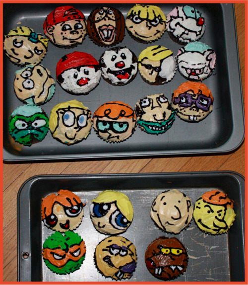 cupcakes… aka the coolest thing I've seen all day.  made by alexalexalexalex!