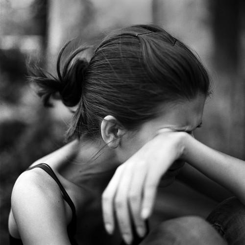 amandaleocadio:  Uma pessoa falsa, é mais terrível que um animal selvagem. O animal pode ferir seu corpo, mas a pessoa falsa irá ferir sua alma.