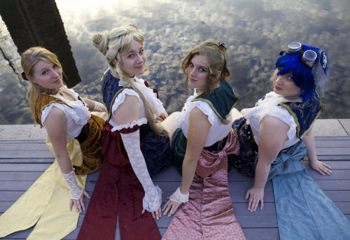 jacquelineofalltrades:  I WANT TO DO THIS NOW! Steampunk Sailor Scouts! :D