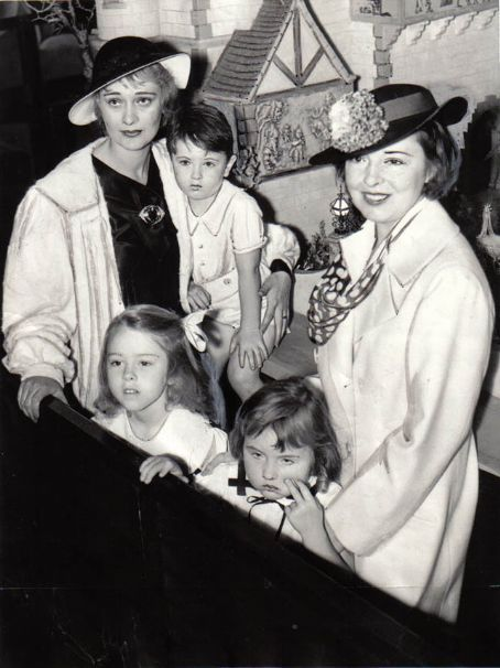 dolores-costello:  Dolores Costello and Colleen Moore with their children c.  Early 1930s