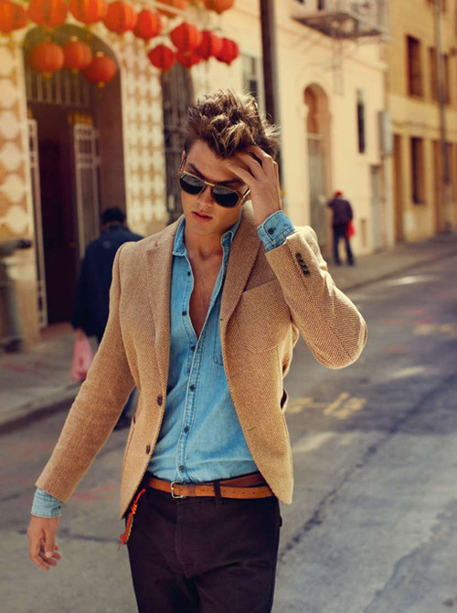 perfect blazer, shirt, belt combo.