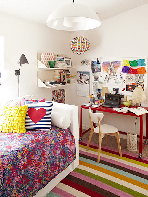 robot-heart:  decor8 » Blog Archive » Teen Vogue Bedroom By Tori Mellott