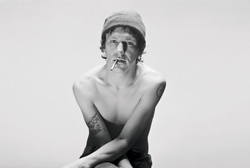 hanimosity:  In case any of you were wondering what Elliott Smith looked like.