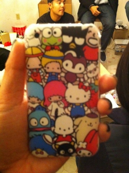 I LOVE MY NEW IPHONE CASE! /  jazluhvsu I COULDNT GO SO I HAD MY COUSIN GO FOR ME~!!!!!!!!!!!!!!!!