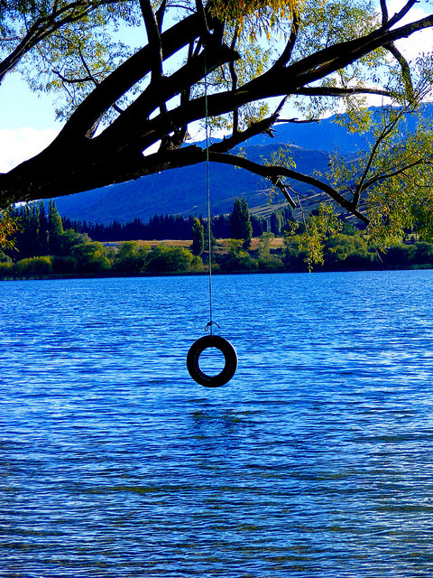 sunsurfer:  Lake Swing, Queensland, New Zealand  photo by absurdim24   wishin i was there soooo hard
