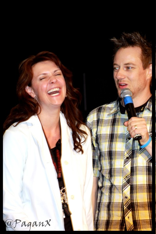 AmandaTapping cracking up at RobertLawrenson at The #Sanctuary Experience Charity Auction - July/August 2010