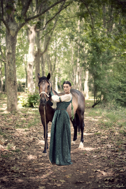 costureroreal:  The princess and the horse