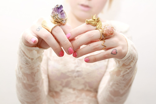 fuckyeahrings:  Stone rings made by Camille (collection; mail)