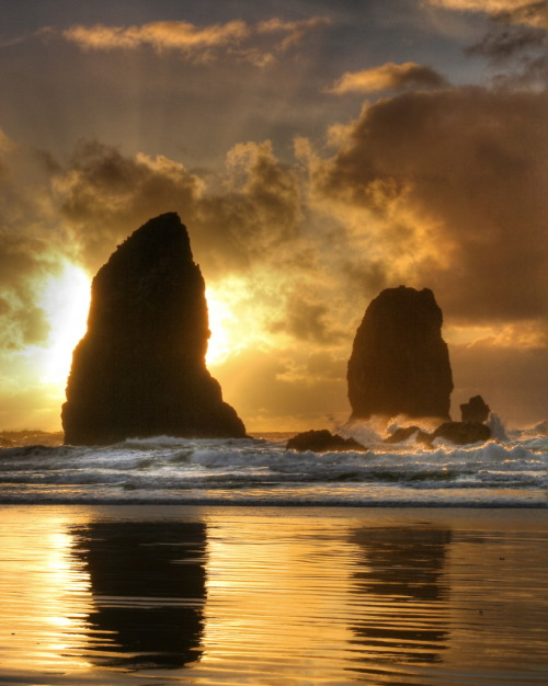 | ♕ |  Cannon Beach, Oregon  | By Daniel Rappaport | rod42 posted)