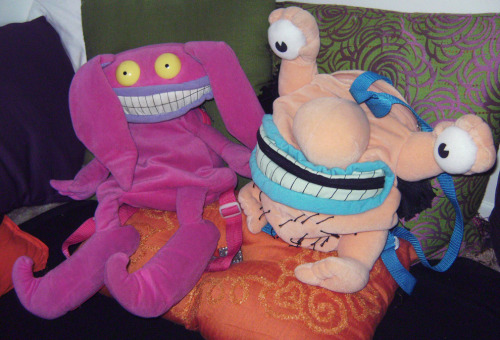 At last, the Krumm backpack is in my possession! He's so huge… I'm going to stuff him full of socks like I did with Icky to make him extra squish-able. If I were to find out they made Oblina or Gromble backpacks, I would be dipping into my car savings to buy them, if need be :P Still looking for someone who can help me plot out a pattern to make a massive Gromble plush. A Gromble bed, if you will. *.*