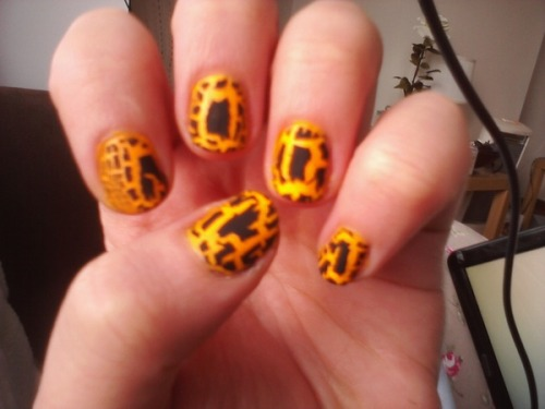 "Barry M crackle polish over China Glaze ""Sunworshipper"". Via Samantha of Smudge Glamour."
