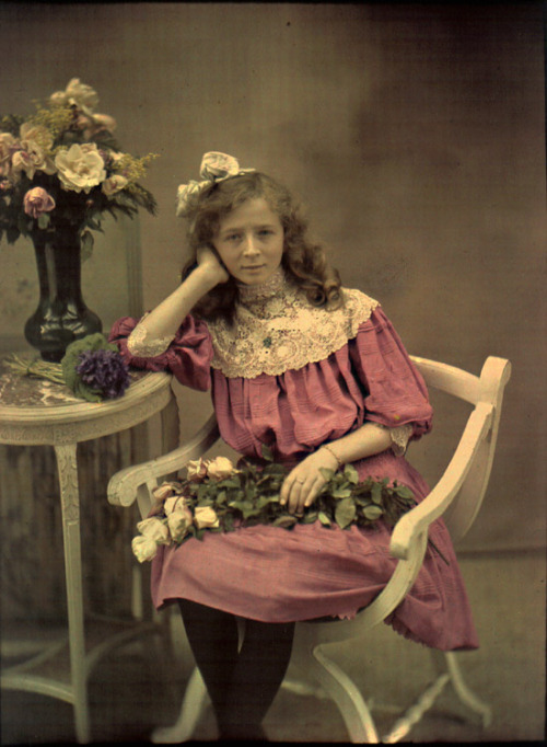 turnofthecentury:  Young Girl with Roses - Autochrome - Louis and Auguste Lumiere (attributed to) - c. 1907-10