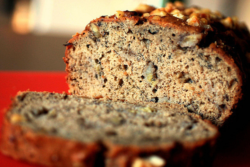 365 Days of Food #327 Homemade Banana Walnut Bread (by @Wattyz) Made yesterday with 4 ripe bananas that I didn't want to throw away. I love the big chunks of banana and toasted walnuts in it. Perfect to slice and warm up for breakfast, slice and wrap individually, then toss in the kids backpacks for a snack, or toss in the car for any possible upcoming road trips.