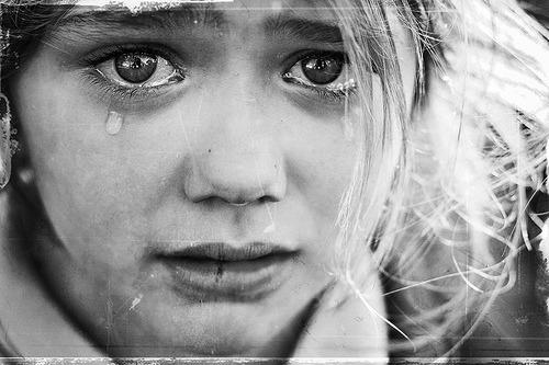 danielamathias:  - se chorar por não ter visto o pôr do sol, as lágrimas não te deixarão ver as estrelas!  Bob Marley