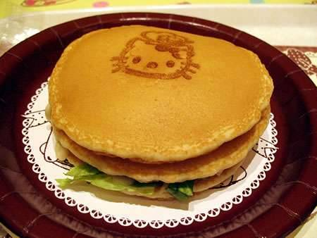 Hello Kitty Pancakes at Pancake Party (Hello Kitty Kawaii Paradise)