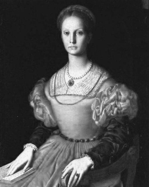 "Countess Elizabeth Báthory de Ecsed No. of Victims: 600+ girls and young womenKnown as the Blood Countess or Countess Dracula, she was born in to a noble family and later married Count Ferenc Nadasdy. Her earlier victims were the servant girls of Csejte Castle, where she lived with her husband. After her husband's death, she got a free rein to torture and kill women which she accomplished with the help of her four faithful servants. She was believed to bathe in the blood of young women in pursuit of eternal beauty. As the number of bodies and her ""hobby"" grew, rumors started to spread. Eventually, some of her intended victims ran away from her capture and ratted out the whole tale to the authorities. Being of aristocratic lineage, she was never put on a trial, though her accomplices were awarded capital punishment. Capture and Punishment: Was put on Castle arrest in 1610 till her death but never brought to trial."