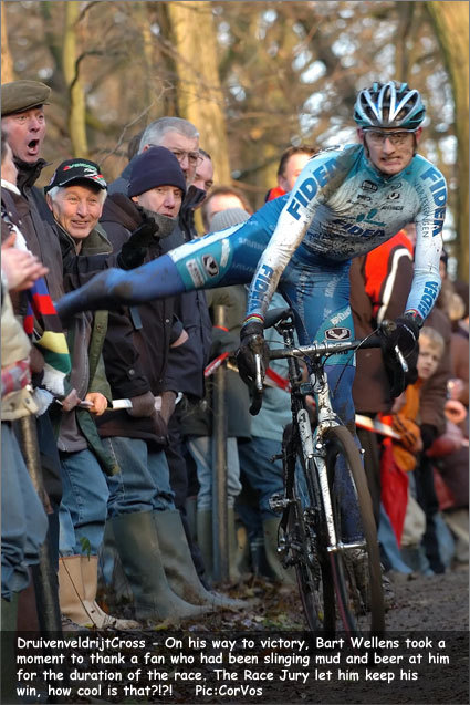 via bigringriding:  CROSS. THE CLOSEST CYCLING GETS TO MUD WRESTLING. FUCKING AWESOME - AND THAT'S GOOD FORM THERE, BART.  Hella yeah! Bart Wellens is a bad ass.