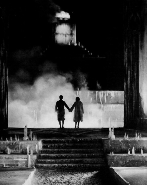 Luis Trenker & Leni Riefenstahl in The Holy Mountain (1926, dir. Arnold Fanck) (via)