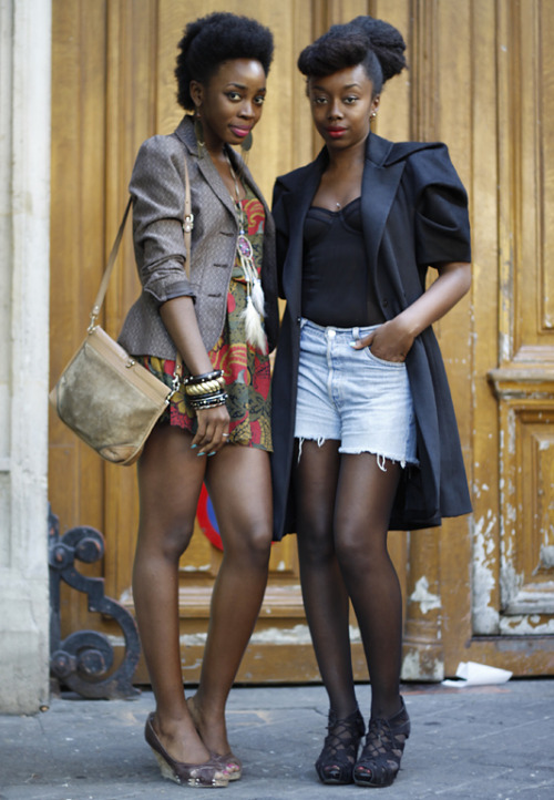 Andrea (of Paris Most Wanted) and Fatou (stylist & beauty editor at Ghubar Magazine) in Paris. Photo: ©Five O Nine (5O9) By LK