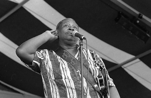 166) B.B. King - Listening New Orleans Jazz and Heritage Festival Digital scan from 35mm negative photo (c) Alan Strauber (all rights reserved) 11.29.10