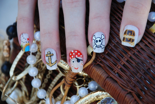 amenaugust:  Pirata nails rubia olivo on flickr