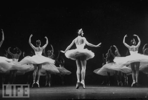 September 1950: Ballerina Margot Fonteyn (C) dancing in a production of 'Swan Lake.'