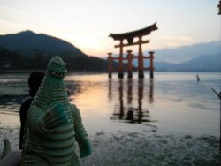 FREDERICK with Miyajima's Tori Frederick (this godzilla) accompanied me throughout Kansai with my fellow study abroad students. As a result I now have 100 pictures of Frederick does Kansai.  Check out the album on my fb, it'll make you think im crazy :P
