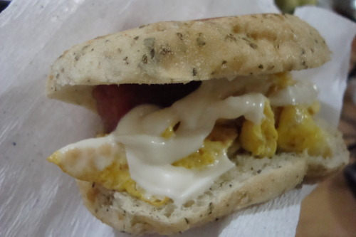 "xoushii:  ""Bread with Moringa Oleifera, egg, mayo and sausage :3""  and #foodmourn"