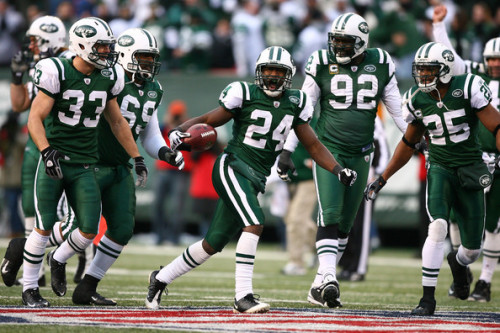 mattitles:  In the past few weeks, Darrelle Revis has faced Greg Jennings, Calvin Johnson, Andre Johnson, and Terrell Owens. Altogether, the four accounted for 6 receptions for 61 yards.