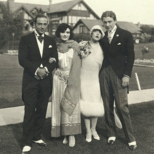 Rudolph Valentino and Pola Negri, with Mae Murray and Prince Mdivani on their wedding day in 1925.