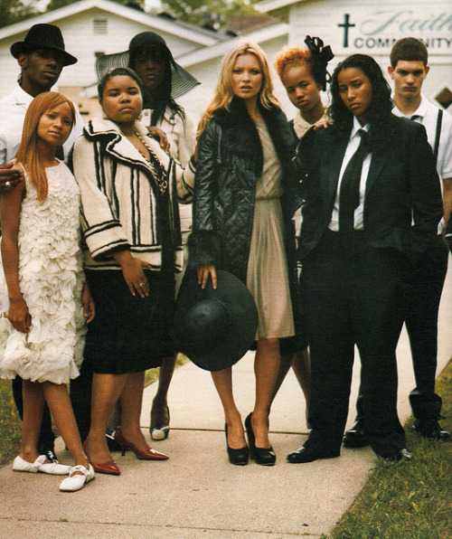 firstfallingstar:   Kate Moss at Tupac's funeral   is this a for real photo shoot or life moment?