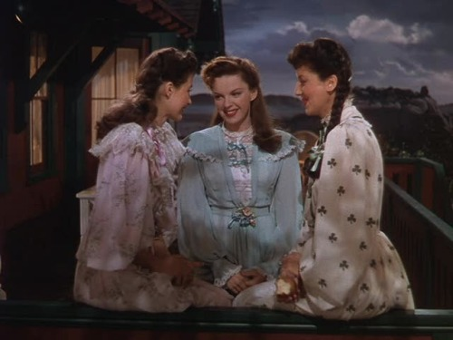 Cyd Charisse, Judy Garland and Virginia O'Brien The Harvey Girls - (1946)