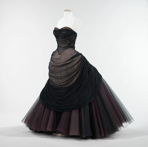 "omgthatdress:  Charles James ""Swan"" dress ca. 1953 via The Costume Institute of The Metropolitan Museum of Art"
