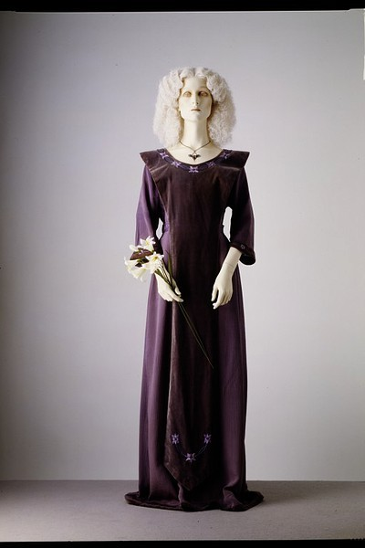 Liberty & Co. dress ca. 1905 via The Victoria & Albert Museum