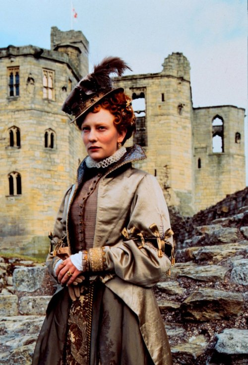 costumedramas:  Cate Blanchett stars in the title role in Elizabeth (1998).