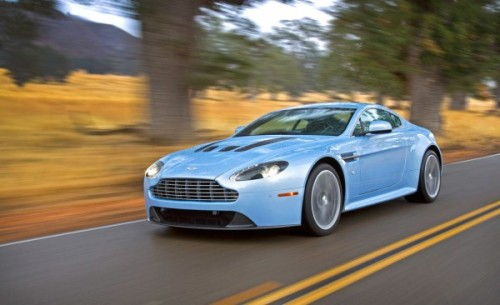 The Aston Martin V12 Vantage is not supposed to be the world's best-performing sports car. It is supposed to be a sporting coupe that gives great performance, but also something else.