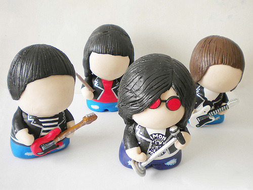 thedailywhat:  Mighty Fine Munny of the Day: The Ramones as Kidrobot Munnys by customizer CDC. RIP Johnny, Joey, and Dee Dee. [flickr.]  Do Want