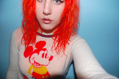 spookypuke:  moonbrains:  abcdefghijklmnopqrstuvwxyz  a great sweater of mine, circa december 2010