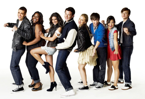 heyymonalisa:  GLEE :)  —- what is going on with Puck's face? He looks goofy. It also looks like Chris Colfer tried to jump or do some pose but the camera took the picture mid-movement. AND… ARTIE Y U NO IN WHEELCHAIR?