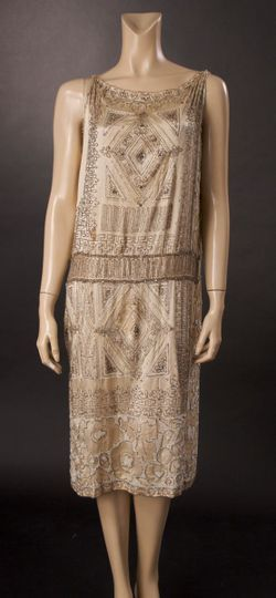 clockofsteam:  Vintage 1920s dress