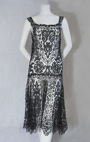 clockofsteam:  1920s clothing at Vintage Textile: #2246 lace flapper dress