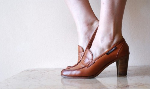 Beef-roll-penny-loafer-heels-split-toe-Made in Italy