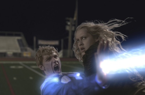 NEW PHOTO! Number Six (Teresa Palmer) and John (Alex Pettyfer) in the heat of battle.