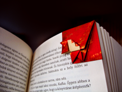 fromasinkingboat:  origami bookmark (how to make)