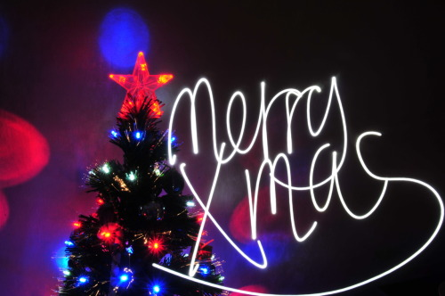 Merry christmas to you! A lovely handwritten note. Like the handwriting? How about the lovely bokeh on the backdrop of the christmas tree! The effort! After many many shots!Lens is a Nikon 18-200mm f/3.5-5.6G IF-ED AF-S VR DXIS0100 (Low-1)13.5 secondsf/2522.4mm
