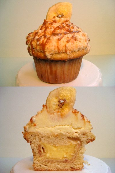bakeitinacake:  Banana pudding pie! In a vanilla cupcake! Topped with banana pudding buttercream! Nilla wafer crumbs! And butterscotch! Totally worthy of every single one of these exclamation points, I promise. (Recipe will be posted later today.)