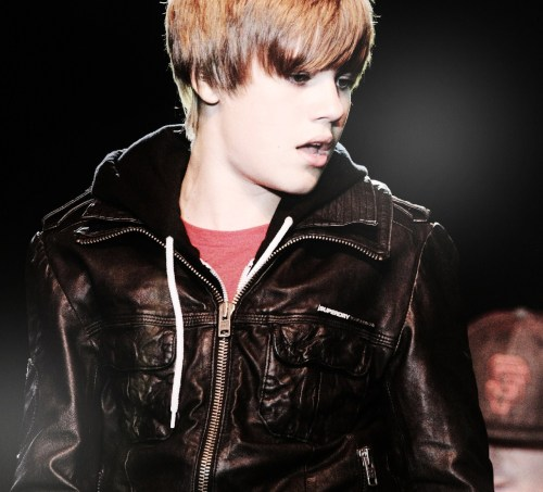 justinisbustin:  there's just no turning back, when your heart's under attack <3