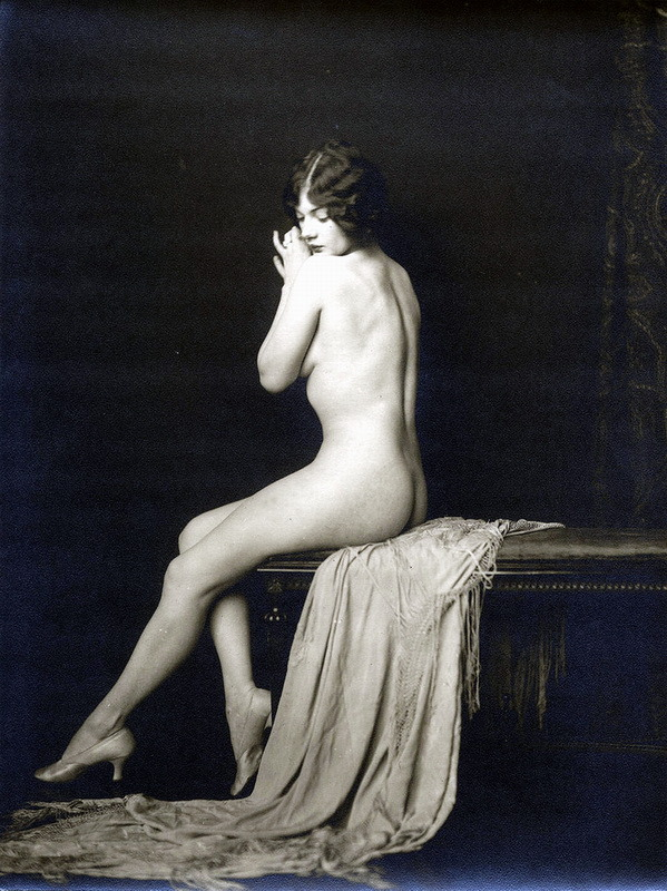 wickedknickers:  Ziegfeld Girl by Alfred Cheney Johnston, 1920s.   I'm out of breath